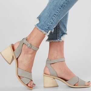 Dolce Vita Roman Ankle Strap Sandal Leather Grey 6